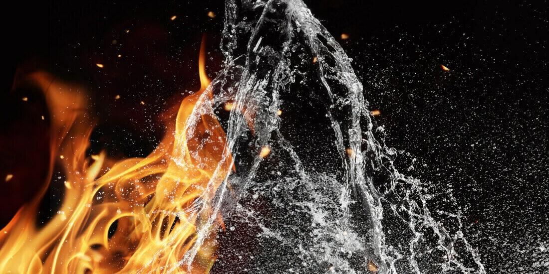 Acqua spegne fuoco