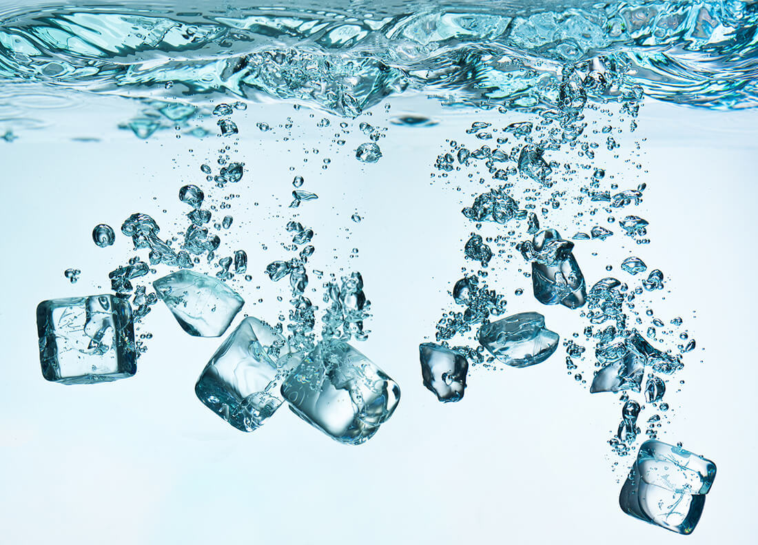 Peso acqua liquida acqua ghiacciata